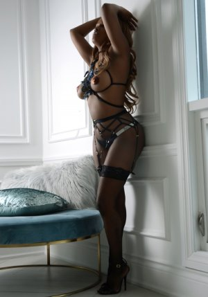 Zouina independent escorts